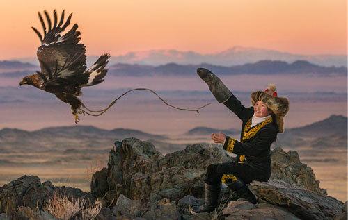 eagle-huntress-aisholpan-hunt
